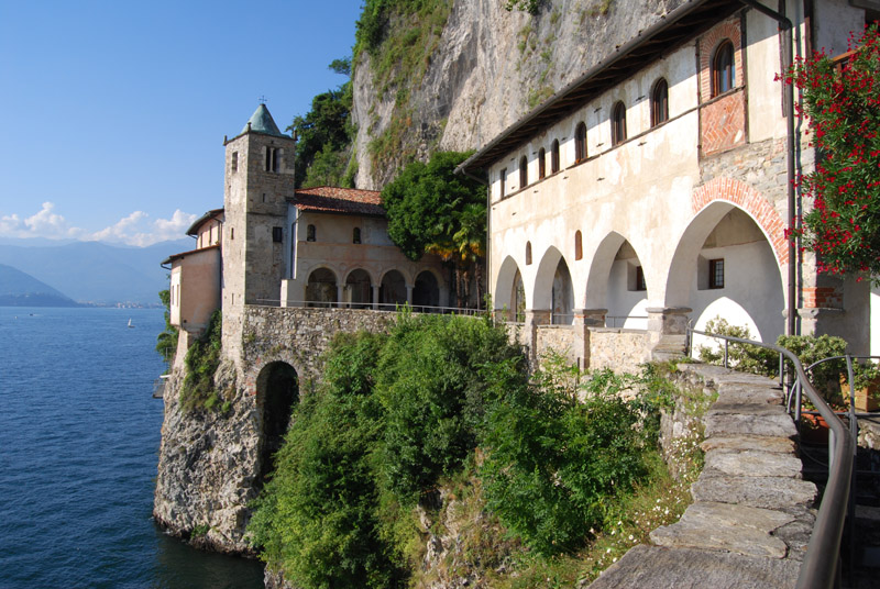 http://www.varesefunicolari.org/varese/maggiores_02.jpg